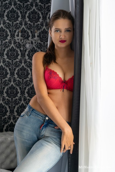 MyNakedDolls - 2018-11-19 - Dasha Snezhna - Tight Jeans