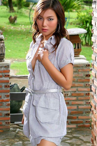 Linda-Pongsai-04-008.jpg