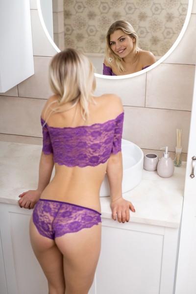 MetArt_Purple-Lace_Leaya_high_0006.jpg