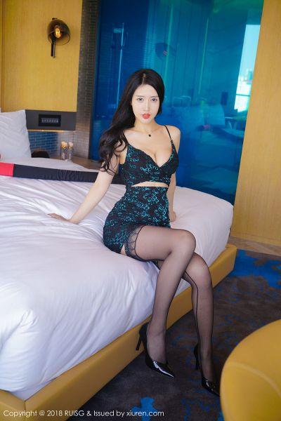 RUISG 瑞丝馆 2018.05.10 VOL.049 余馨妍