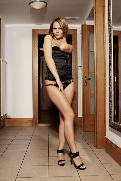 MCNudes - 2011-11-28 - Jenny Jones - Sweet Miss