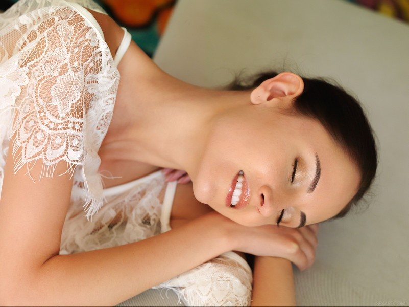 SexArt_White-Lace_Sade-Mare_high_0007.jpg