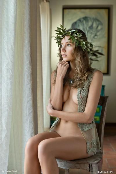 FemJoy - 2019-03-23 - Clover - Aphrodite - By Stefan Soell