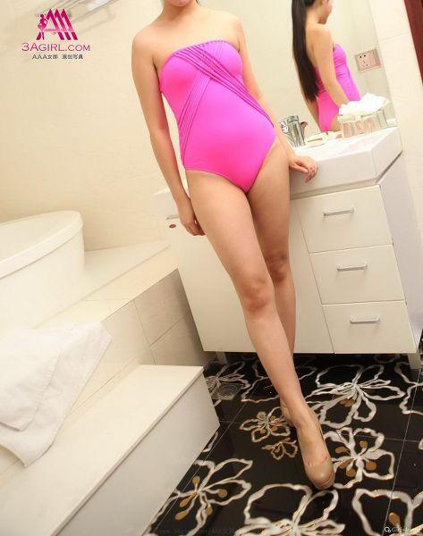 No.057 匿名 粉红色的紧身泳衣