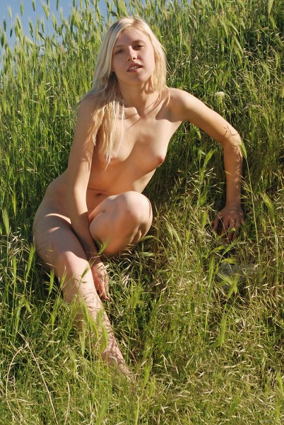 EB_In-The-Sunshine_Helen-I_high_0009.jpg