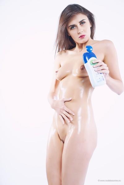 NudeBeauties - 2016-05-08 - Ingrid - Oily Pussy