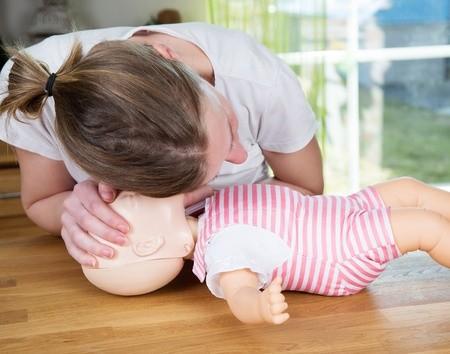 Førstehjælpskursus, førstehjælpskursus baby. førstehjælp til baby, førstehjælp børn, førstehjælp til børn