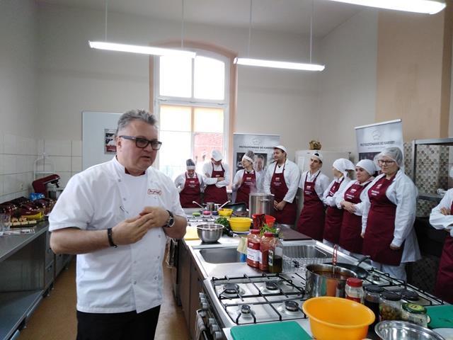 Przygotowanie dokariery – warsztaty kulinarne zRobertem Sową