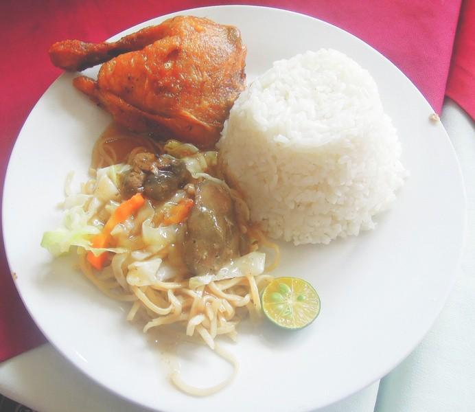 Lolo Claro's Restaurant fried chicken