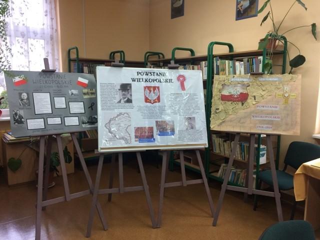 Wystawa plakatów ibroszur oPowstaniu Wielkopolskim