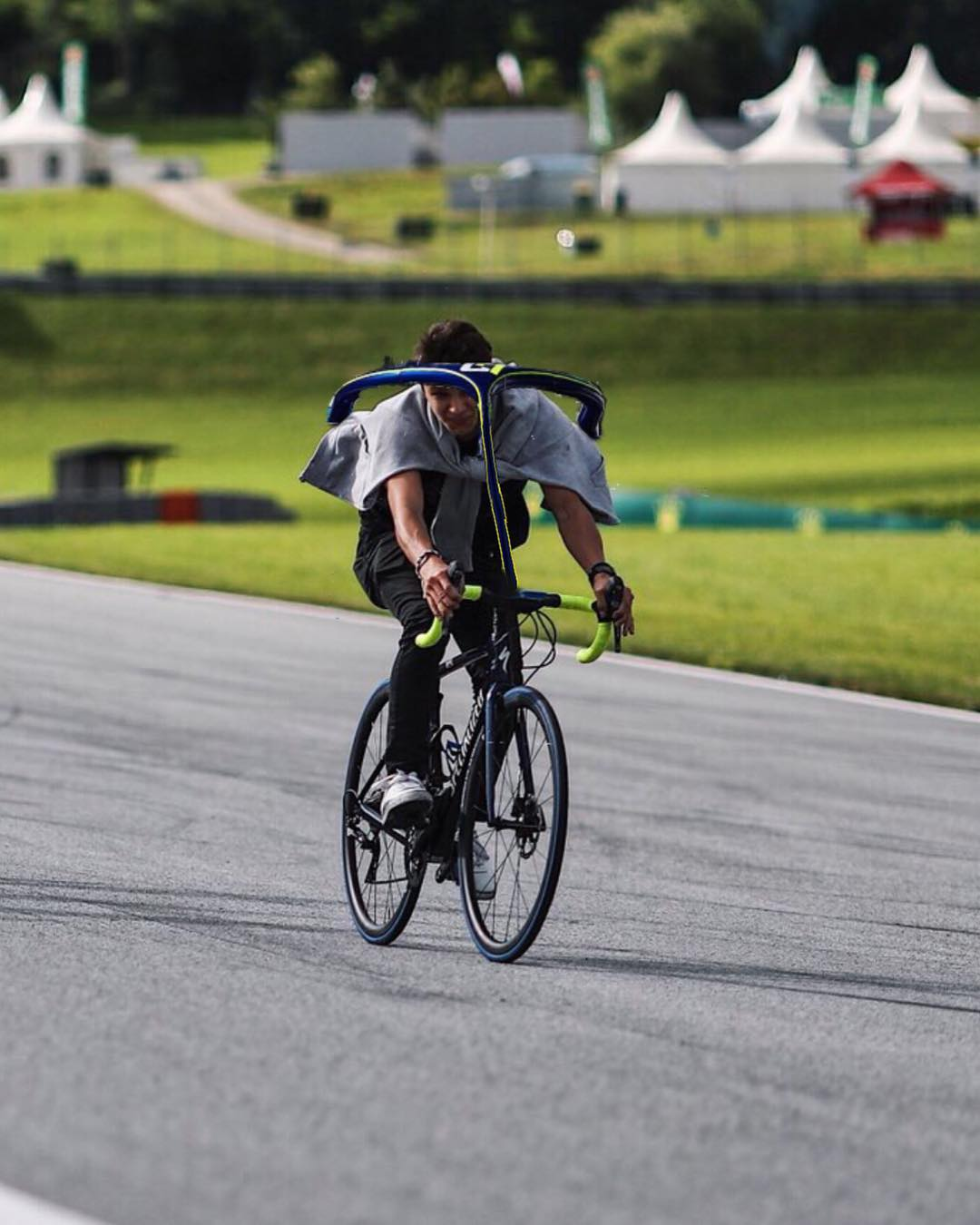 F1 2018 Austrian GP Rd Bull Ring A1 Ring Lando Norris Rides a Specialized Bike Halo Montage