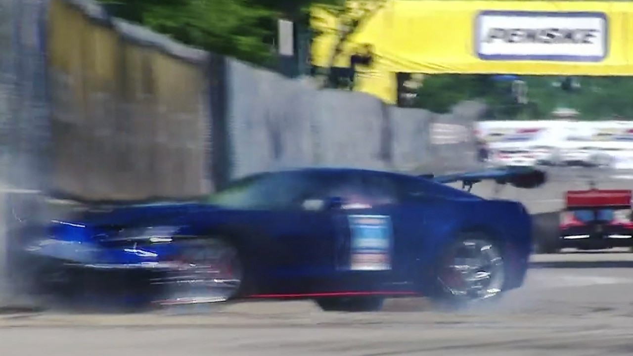 IndyCar Series 2018 Detroit Belle Isle Race 2 Mark Reuss Chevrolet Corvette ZR1 Pace Car Crash