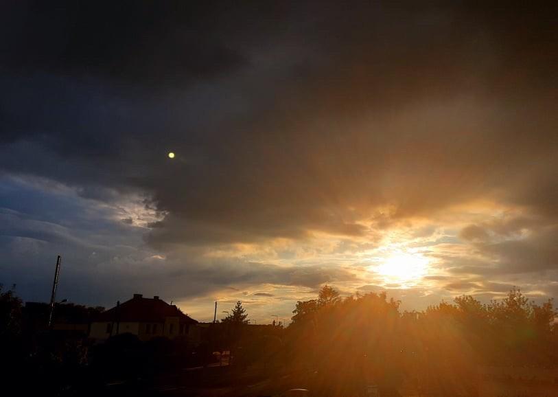 Piękne zachody słońca nadPniewami