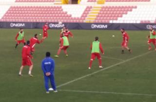 Partitella del Vicenza Calcio con la palla alla mano