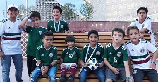 Los hijos de los seleccionados mexicanos se divierten jugando futbol