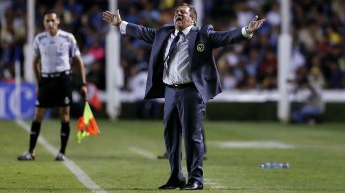 Miguel Herrera furiosa  del árbitro por marcar en contra del América