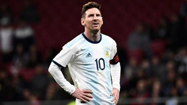 Messi se lesiona, es baja para el partido ante Marruecos