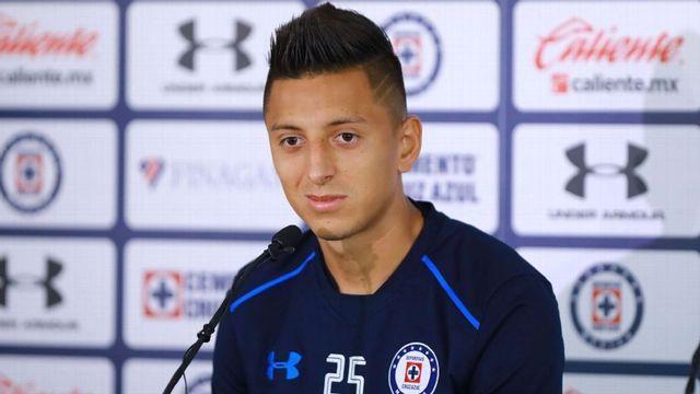 Roberto Alvarado se queda en Cruz Azul, no irá a Centroamericanos