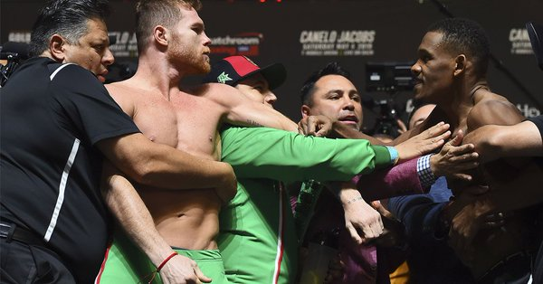 Saúl 'Canelo' Álvarez y Daniel Jacobs casia adelantan la pelea en el pesaje