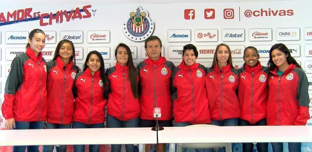Chivas presenta a sus nuevas jugadoras para la Liga MX Femenil
