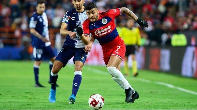 Alexis Vega habló de la delantera de Chivas