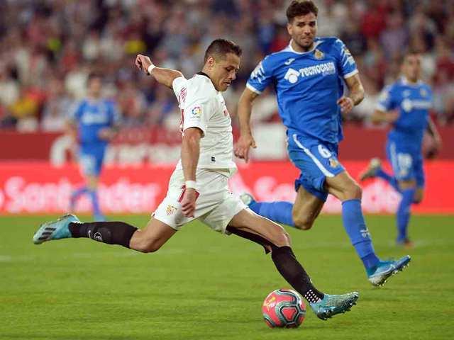 Sevilla ganó al Getafe con gol de Chicharito