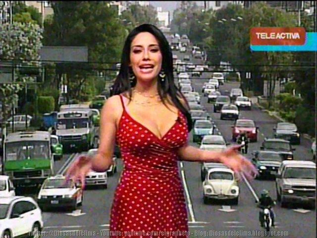 Sugey Abrego en platicas con Playboy para posar desnuda