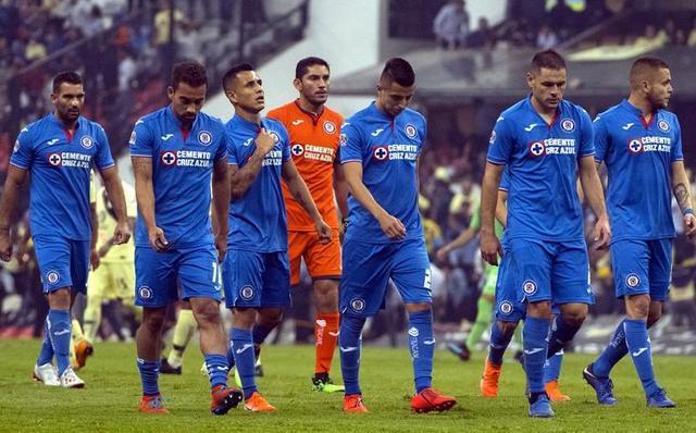 Cruz Azul tiene en mente a dos técnicos para suplir a Caixinha
