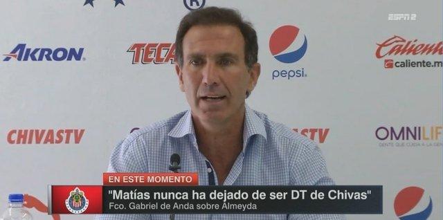 De Anda confirma que Matías Almeyda seguirá al mando de Chivas
