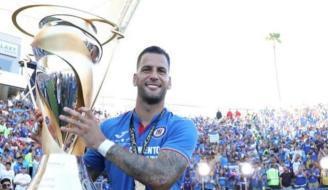 Édgar Méndez conquista su segundo título con Cruz Azul