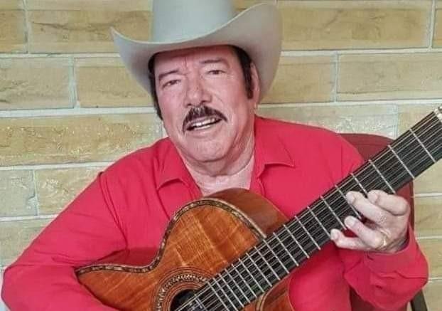 El cantante Lalo Mora hospitalizado por Coronavirus