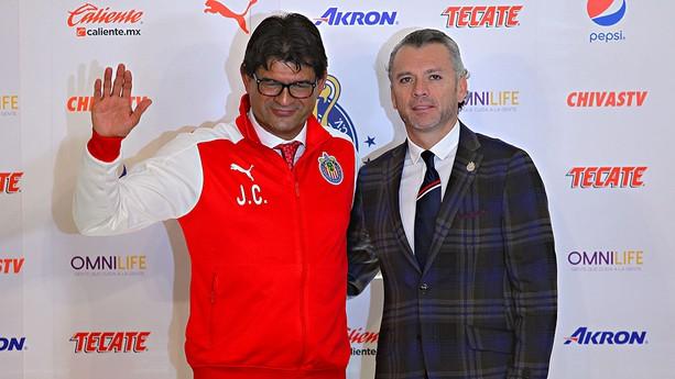 Presentan a Saturnino Cardozo como técnico de Chivas