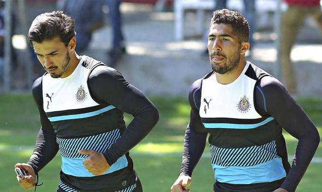 Chivas necesita a Alanis y Pereira en la defensa