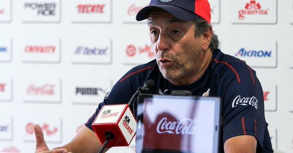 Tomás Boy feliz con la llegada de Oribe Peralta a Chivas