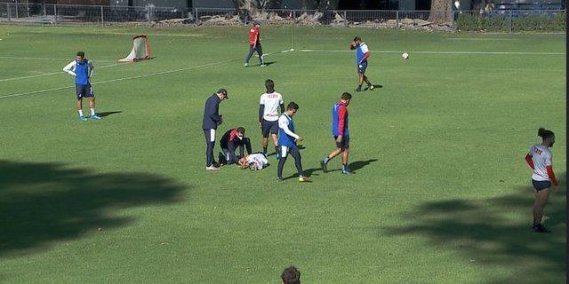 Uriel Antuna sufre un golpe en practica de hoy