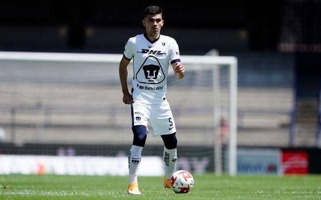 Johan Vásquez sigue hasta el 2023 con Pumas