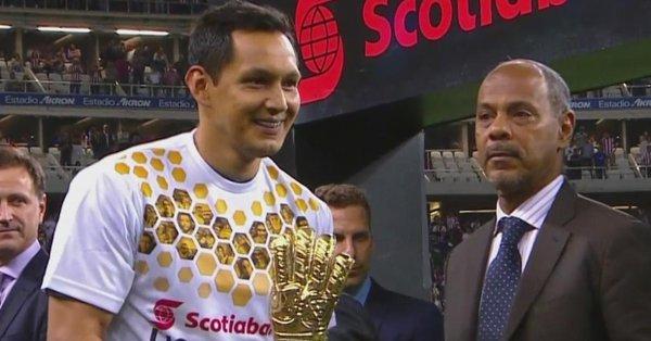 Rodolfo Cota y Pizarro se llevaron trofeos por su desempeño