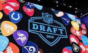 Selecciones por equipo de la primera ronda del Draft 2020