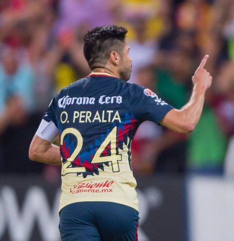 Herrera defiende a Oribe Peralta de los ataques