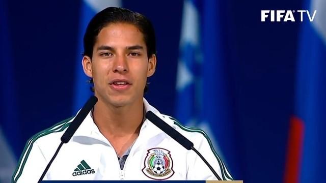 Aparición sorpresiva de Diego Lainez en el 68 Congreso de la FIFA (Video)