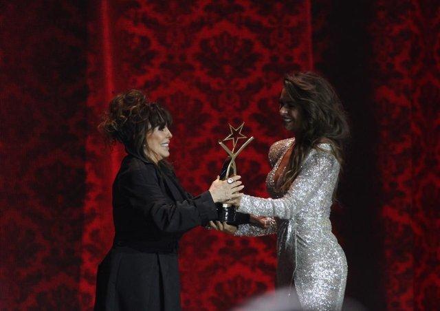 Verónica Castro es reconocida por su trayectoria en los TVyNovelas
