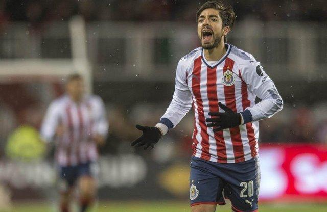 Pizarro queria jugar el mundial de clubes, y pidió que no lo vendieran