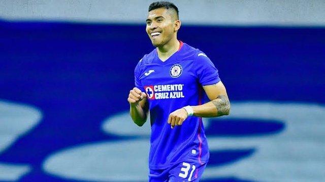 Orbelin Pineda tiene tres opciones para dejar el Cruz Azul