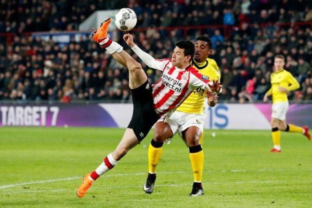 El Chucky Lozano vuelve con gol y ayuda triunfo del PSV