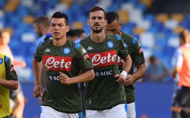 Napoli ordena entrenar en cuarentena por COVID-19