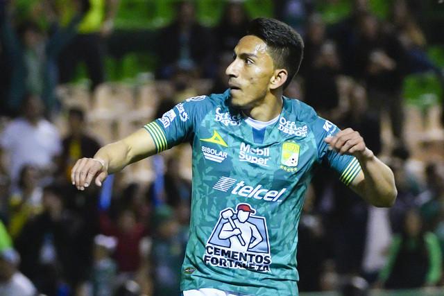 Ángel Mena quiere jugar en Boca Jr