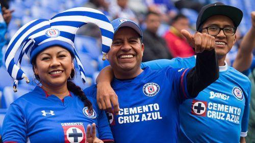 Afición Cruzazulina prepara gran recibimiento en el Azteca a su equipo