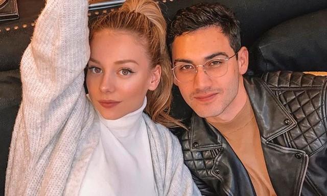 Alejandro Speitzer y Ester Esposito ahora están en España