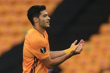 Jiménez anota y da pase a los Wolves a los cuartos de final de la Europa League