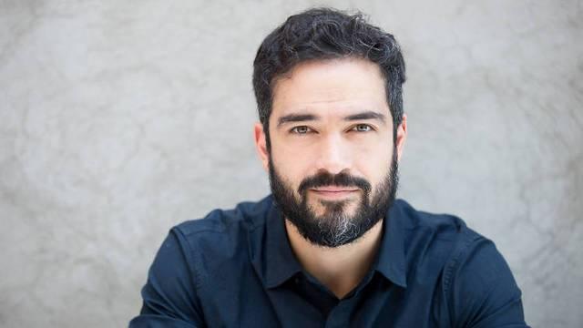 """Alfonso Herrera regresa al  Teatro con la obra """"La sociedad de los poetas muertos"""""""
